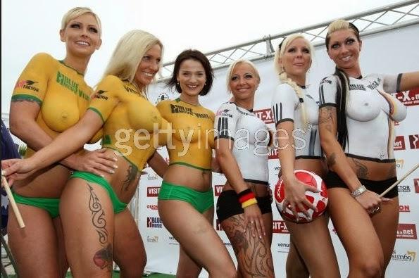 Piala Dunia Sexysoccer 2014 Model Bugil Jerman vs Ghana
