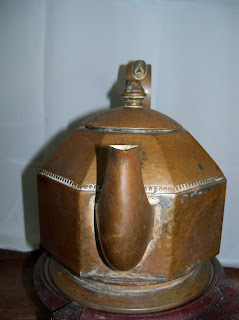 teko antik kerajinan tembaga