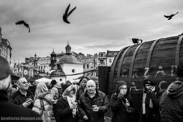 street photo, krakow, fotografia uliczna, czarno-biale