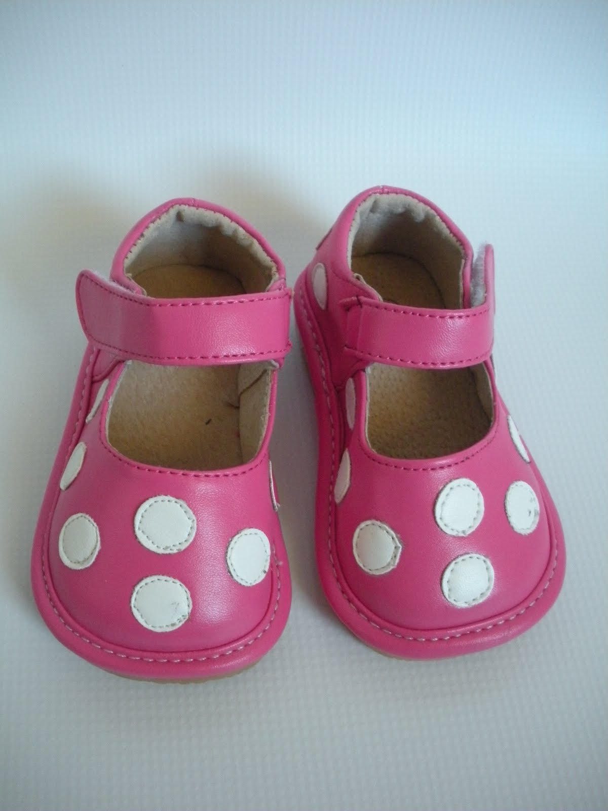 Squeaky Shoes for Tiny Tots Girls Closed Toe Shoes