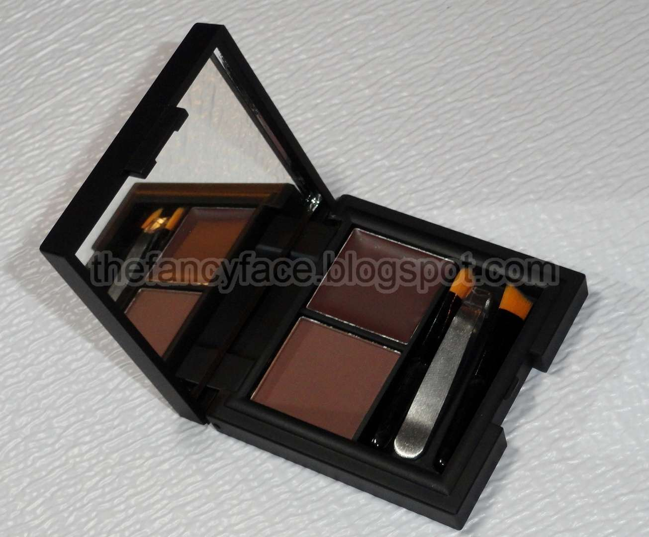 The Fancy Face: Sleek MakeUP Brow Kit - THOUGHTS...
