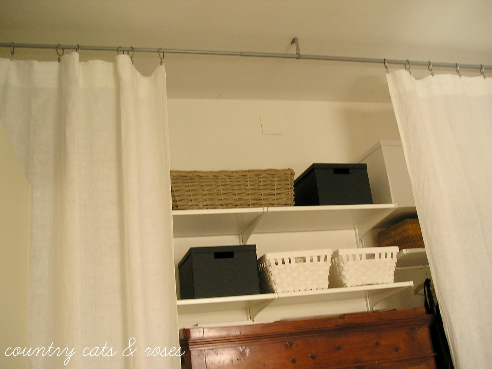 Countrycatsandroses stile nuovo in casa parte 2 tende e tessuti x dividere gli spazi - Bastone appendiabiti ikea ...