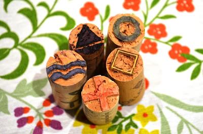 sellos tallados en corchos
