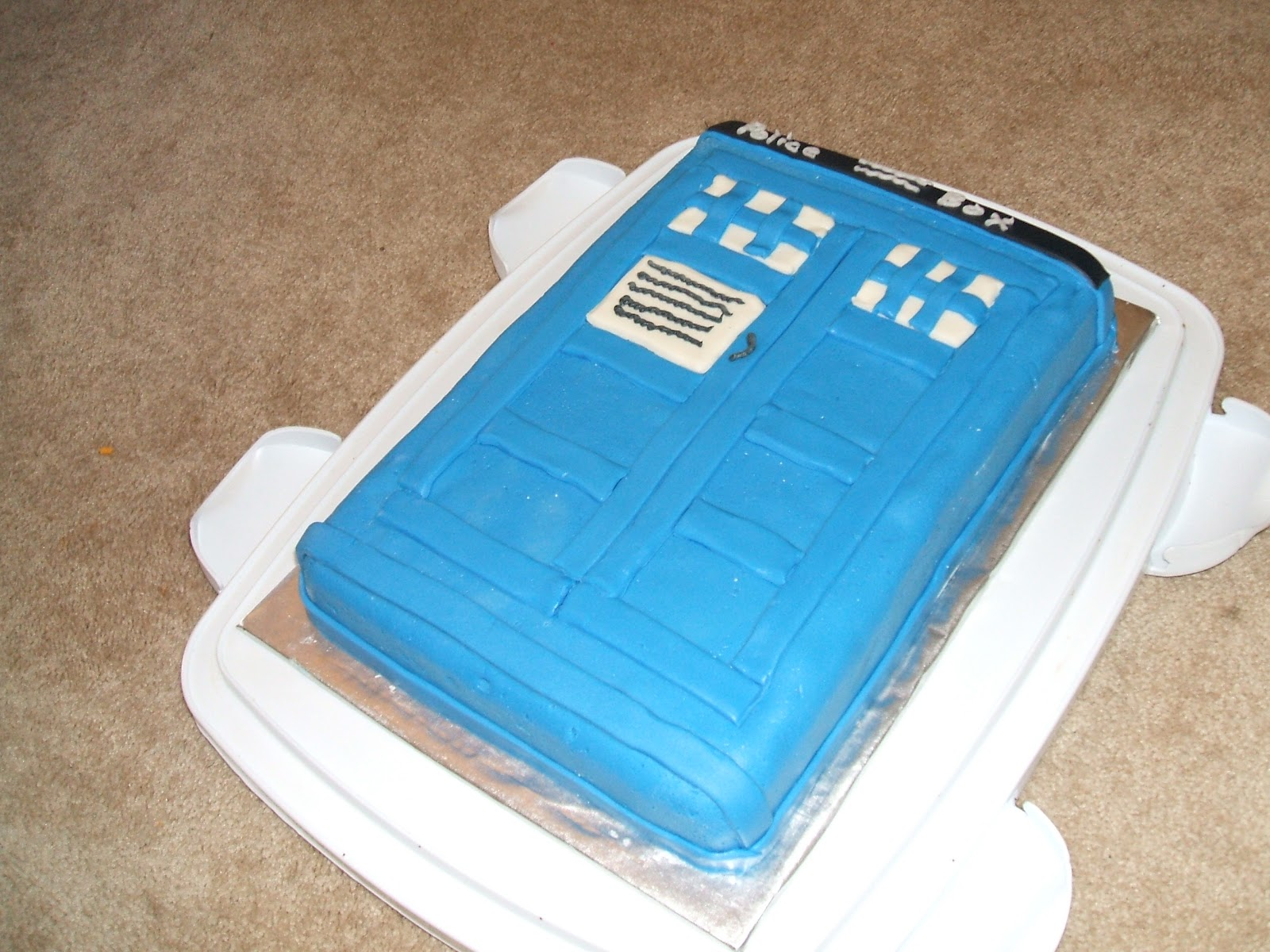 Uncommonly Creative Cakes Doctor Who Tardis Cake