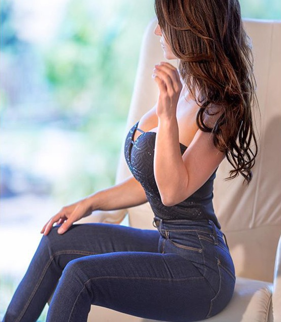Fitness Model Denise Milani - Insta Fitness Models