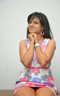 Suma new Telugu Actress in Lovely Pink GOwn at Ye Rojaithey Choosano Audio Release