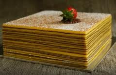 Membuat kue lapis legit