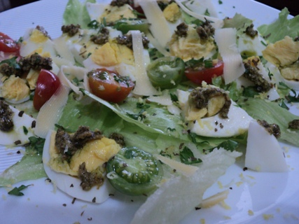 simple pesto vegetable salad