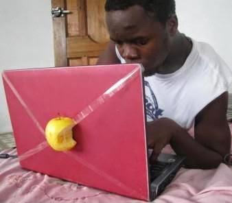 ordenador personal con manzana