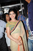 Samantha Latest Glam pics in saree-thumbnail-12