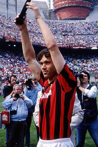 Marco Van Basten, delantero del AC Milan