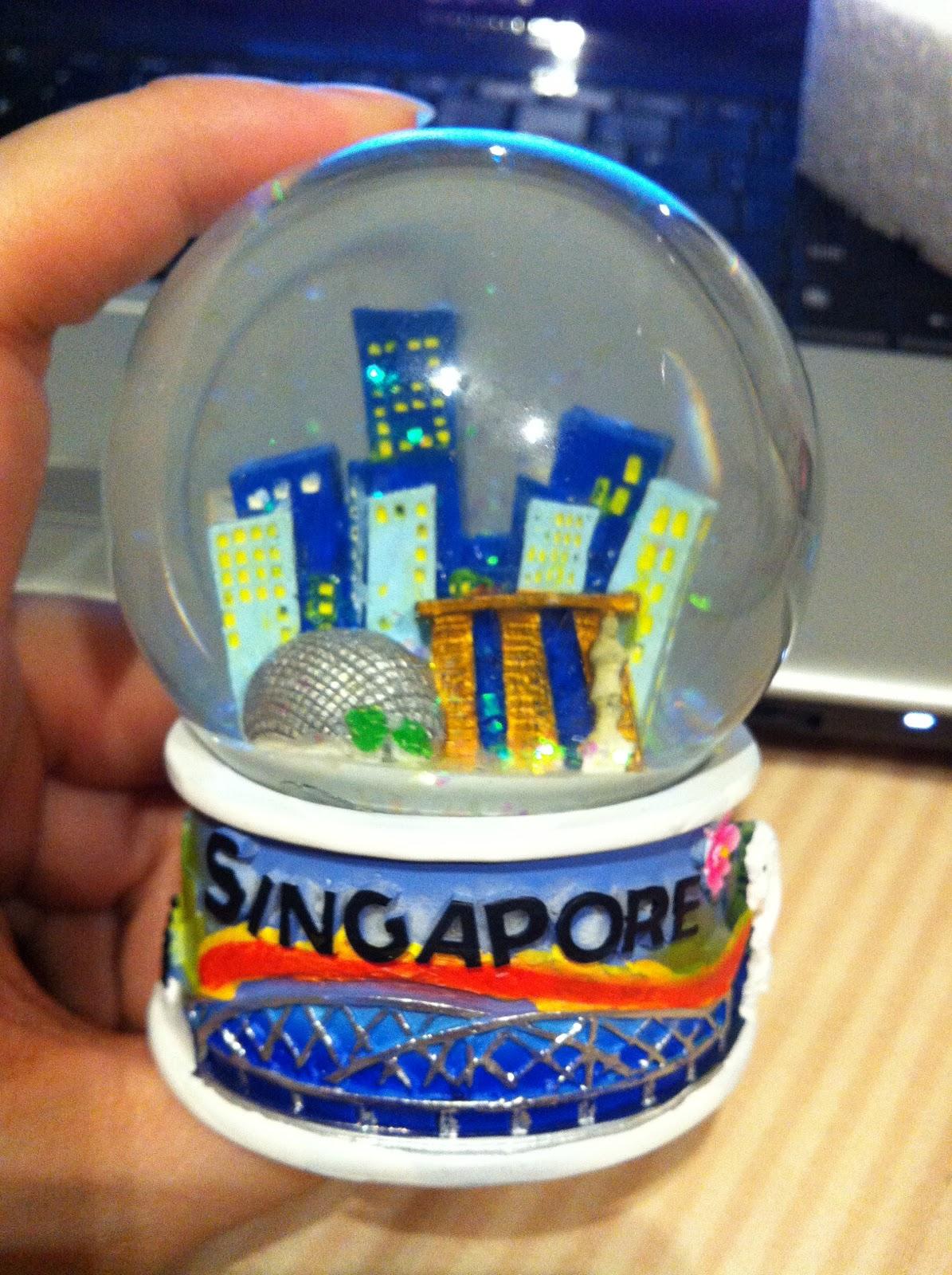 faith luv 2 eat n travel farewell gift singapore snowglobe