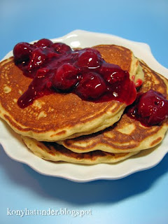 fluffy-pancakes-with-sour-cherry-sauce
