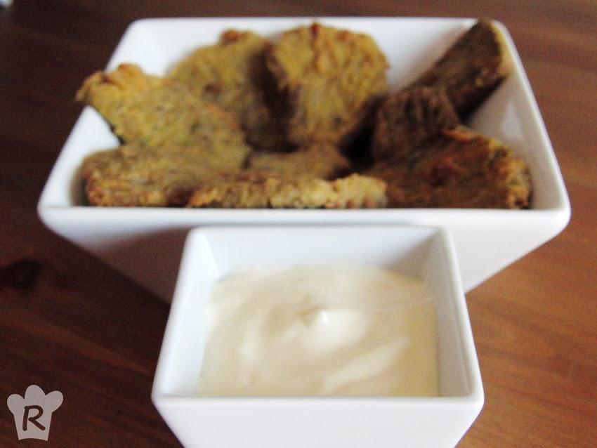 Setas empanadas con mayonesa de ajo