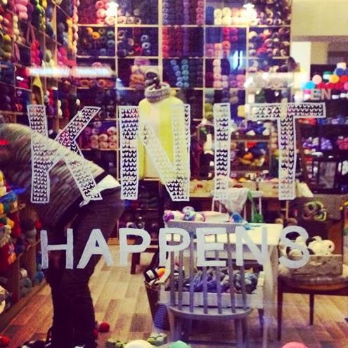 Yarn shops in Berlin (photo by Wollen Berlin) | Happy in Red
