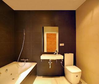 una vez elegidos los dos o tres colores que habr en tu bao debers comprar los accesorios en sintona con ellos si la pared tiene un color