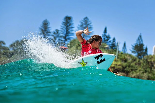 21 Roxy Pro Gold Coast 2015 Courtney Conlogue Foto WSL Kelly Cestari