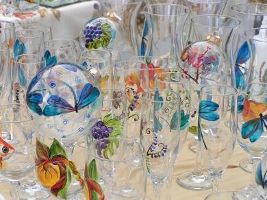 paint glass فن الرسم على الزجاج