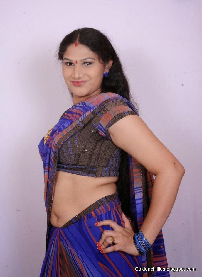 saree below navel pics