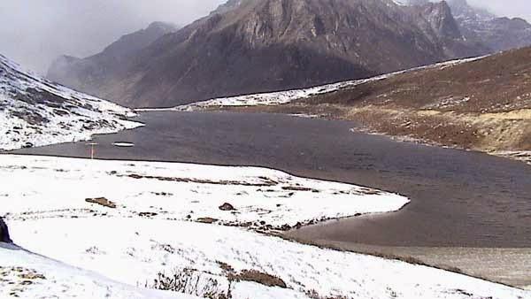 winter snow arunachal pradesh hill station india