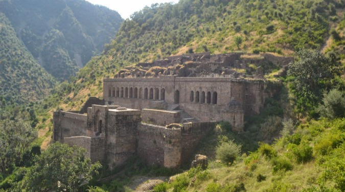 bhangarh the 39 most haunted 39 place in india travel india bharat darshan. Black Bedroom Furniture Sets. Home Design Ideas