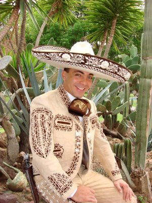 Cristian Castro mas joven de charro