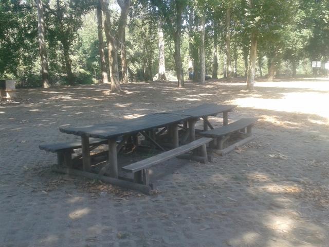 mesa do parque de merendas