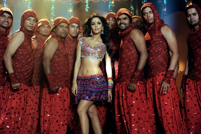  Mallika Sherawat Stills From Movie Bin Bulaye Baraati 