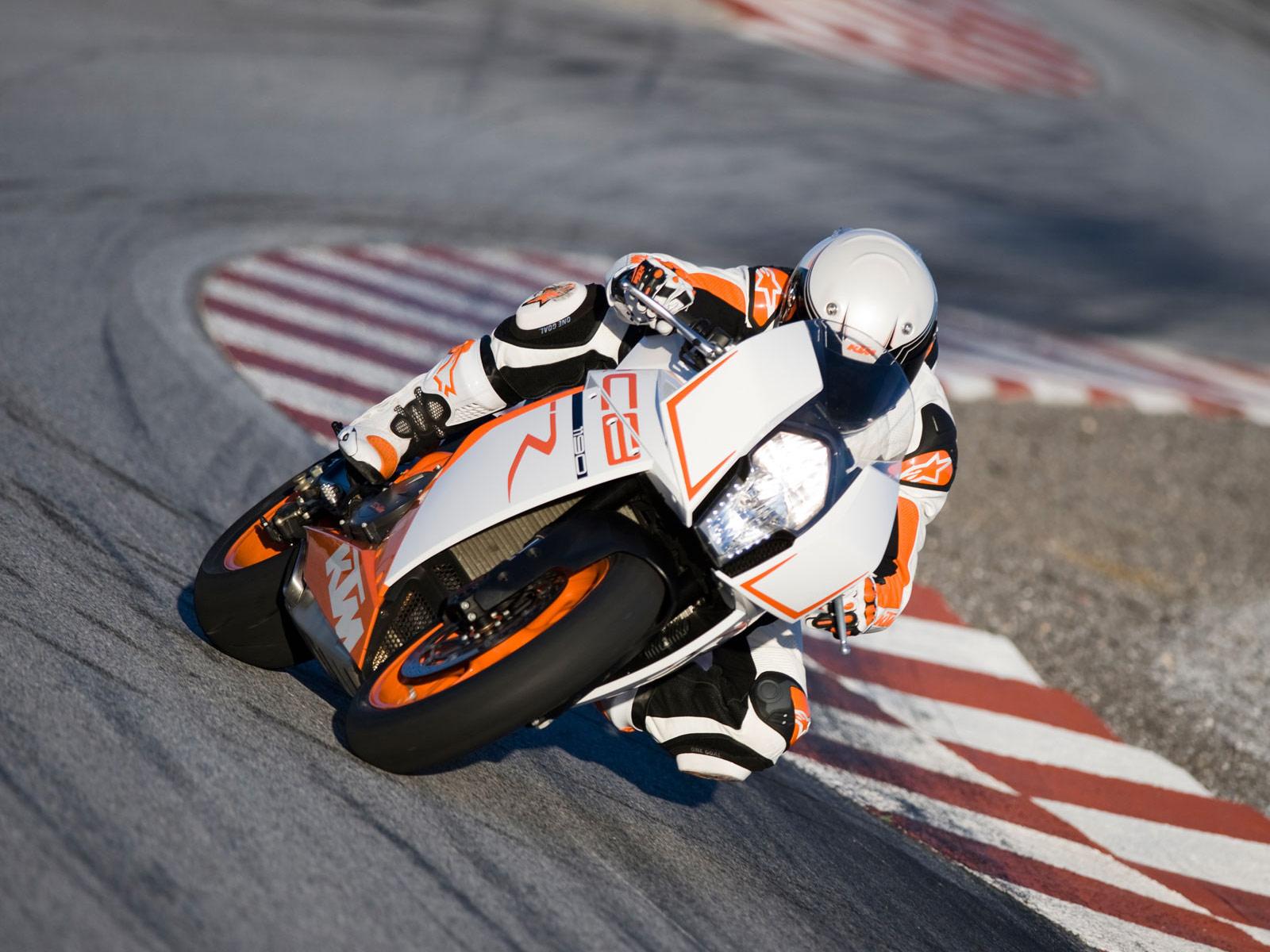 http://4.bp.blogspot.com/-NLdwqR46d88/Tw7ShlHHMHI/AAAAAAAAKG0/Bv65vD8r2mg/s1600/2012-KTM-1190-RC8R_motorcycle-desktop-wallpapers_2.jpg