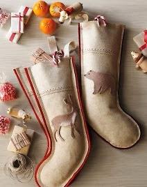 http://www.todomanualidades.net/2012/12/como-hacer-botas-navidenas-en-fieltro/