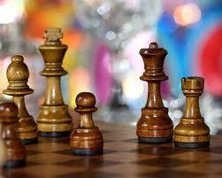Iranian and Saudi oil chess play