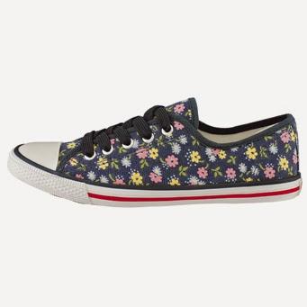 blommig sneaker i blått från Cath Kidston