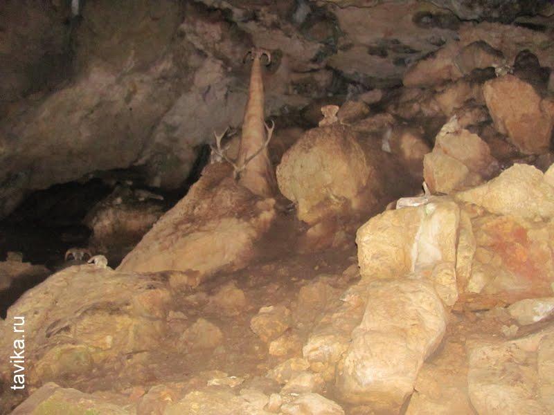 Вход в Красную пещеру