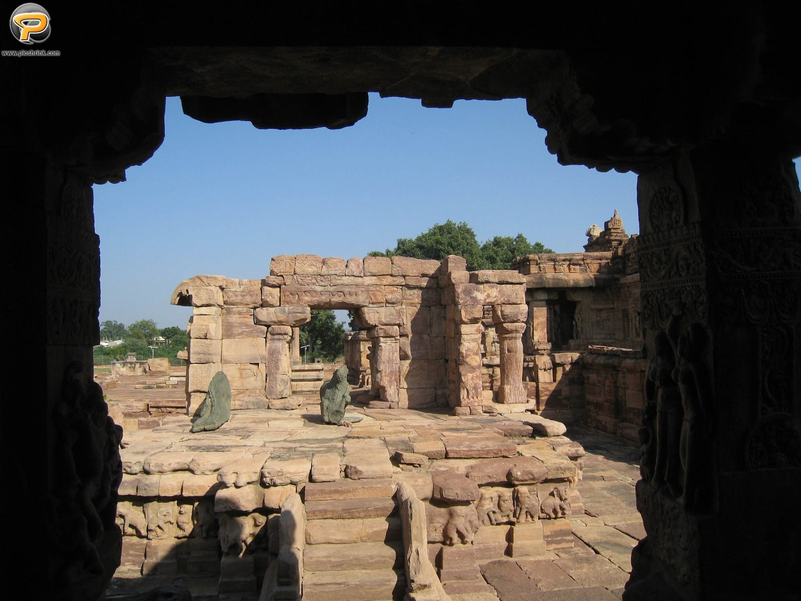Travelling experience and Photos of Pattadakkal, North Karnataka