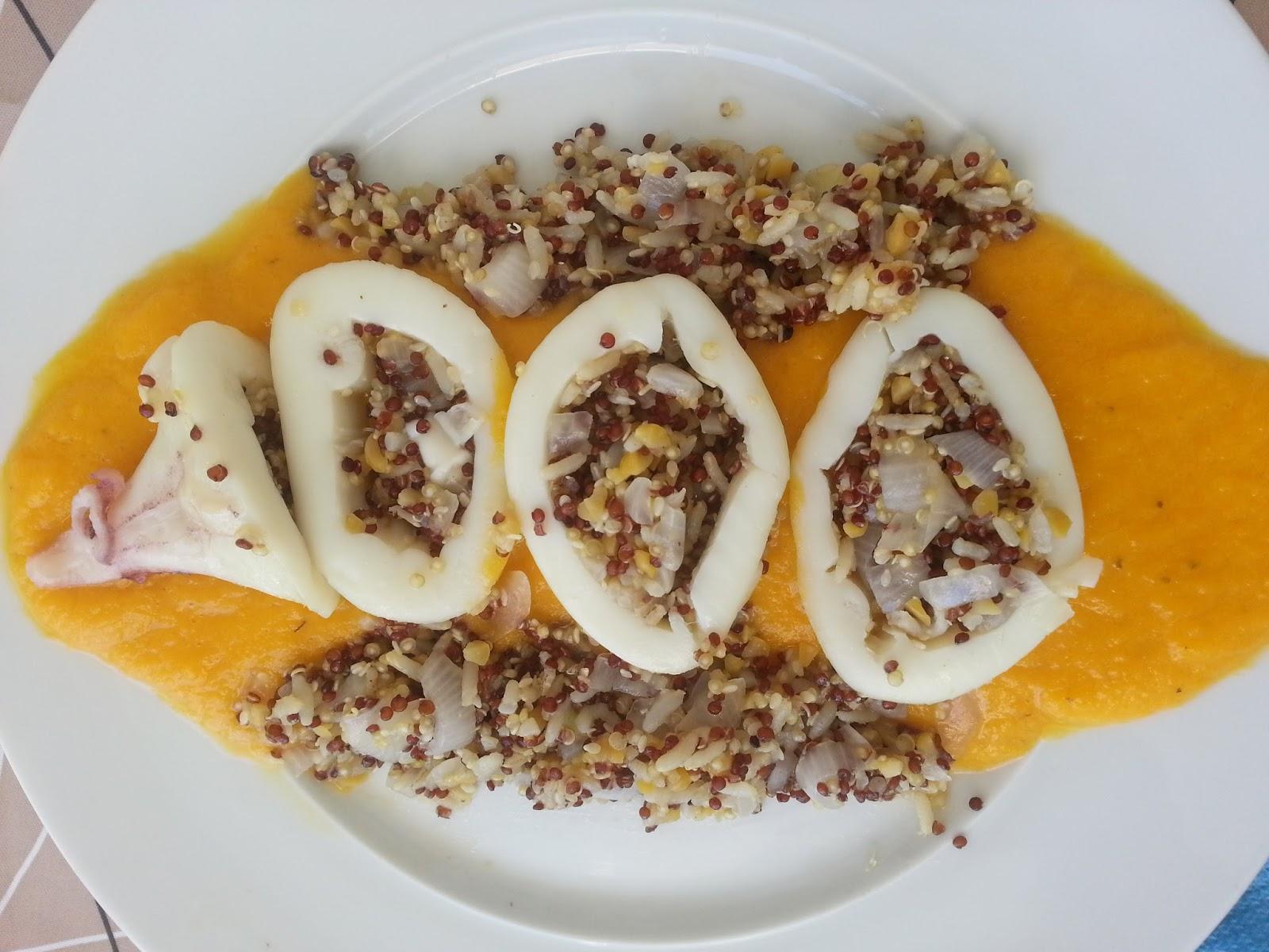 calamar relleno de quinoa con salsa de zanahoria