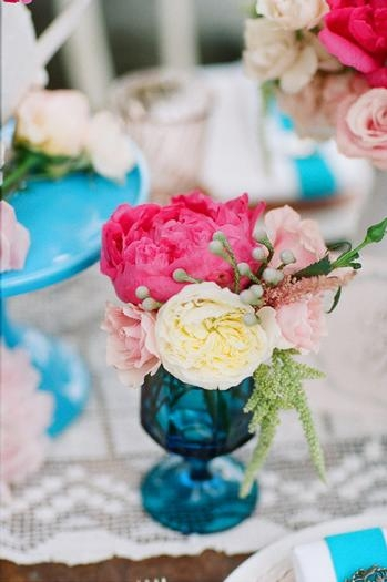 blue table decor