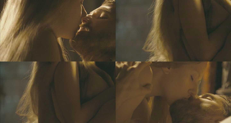 http://4.bp.blogspot.com/-NMDtO6boYGw/TrKFiM_YXfI/AAAAAAAACzo/6LOJbG0PC2g/s1600/Scarlett_Johansson+hot+kisses+%25282%2529.jpg