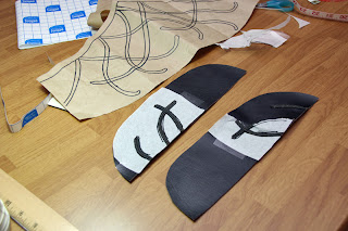 Preparing the standing collar of the Elrond vest.