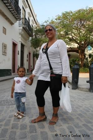 Look at this stylish cutie! Out on the town, Havana that is, with mom.