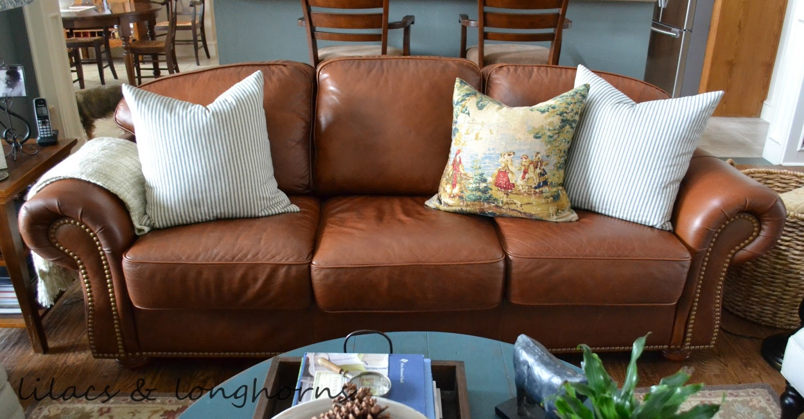 Superbe Repairing And Refurbishing Leather Furniture