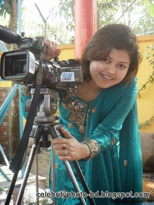Ismat+Zerin+Khan+News+presenter+Photos002