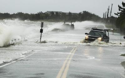 taufan Sandy