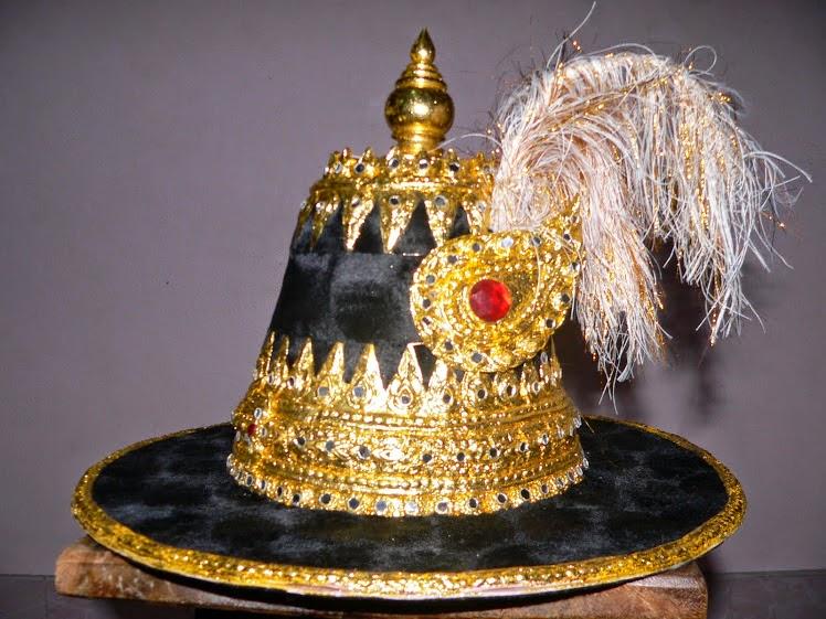 หมวกสมเด็จพระนเรศวร 1,800-2,400บาท