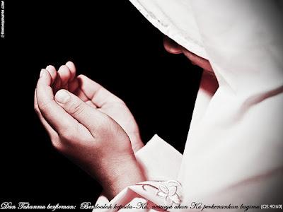 Doa yang Bisa Di Baca oleh Istri Agar Suami Taat Beribadah, Yuk Dibaca…