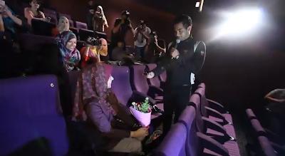 Gambar Dan Video Fizo Omar Lamar Mawar Di Pawagam