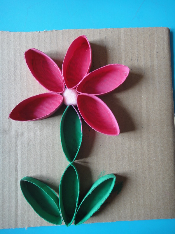 Nathalie assistante maternelle fleur en papier toilette - Fleur papier toilette ...