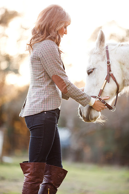 Jody+Steliga +Savvy+Spice+fashion+blog%252C+Mendocino+County%252C+white+horse%252C+H%2526M+plaid+blazer%252C+over+the+knee+boots%252C