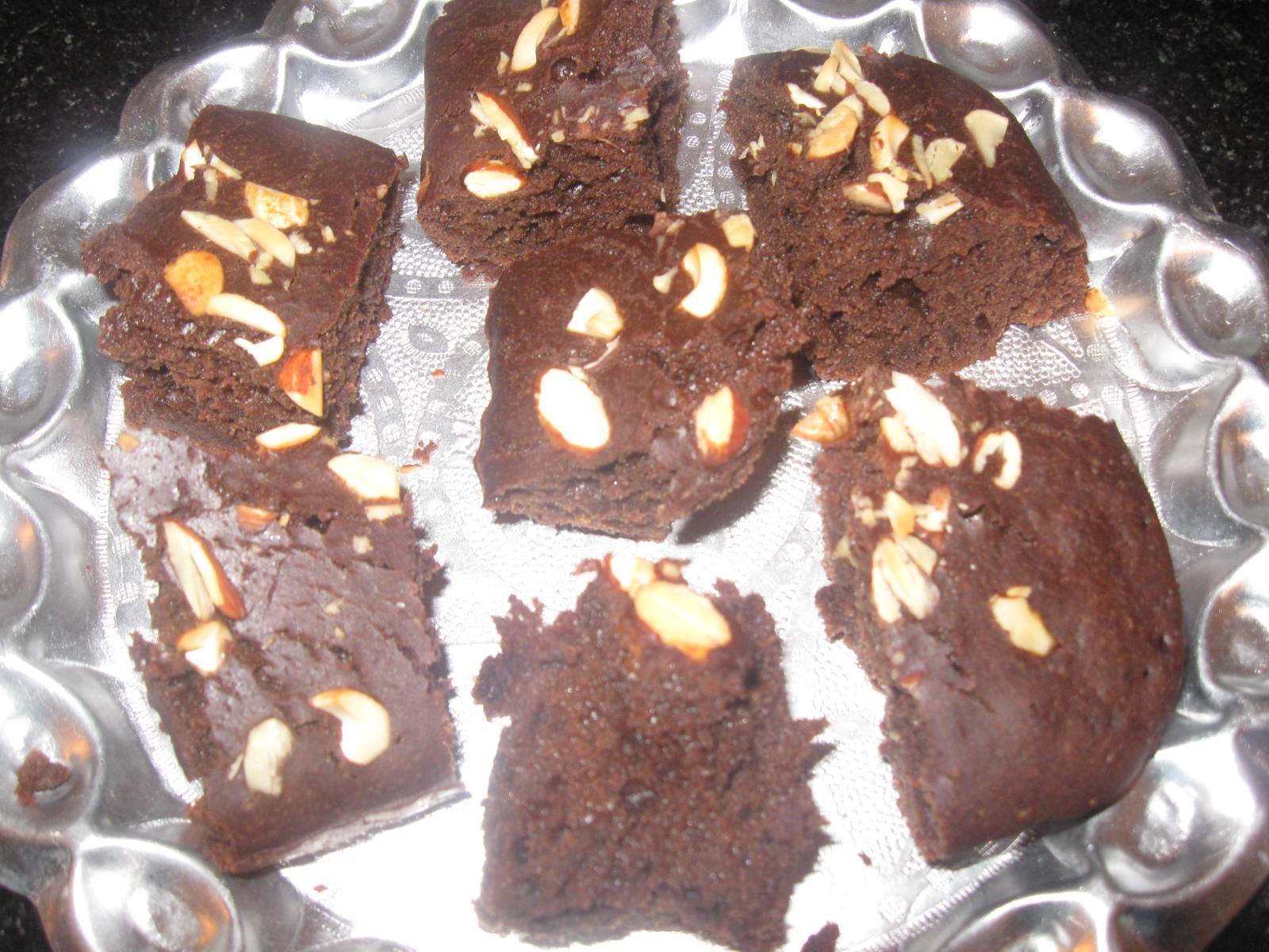 Indian Vegetarian Recipes: Eggless Chocolate Brownie in Cooker