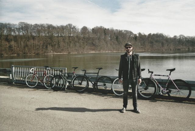 the fixed gear world   fixiegroup