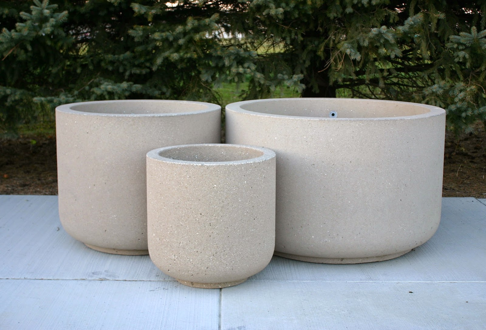 FEATURED LARGE ROUND CONCRETE PLANTERS | Doty and Sons Concrete ...